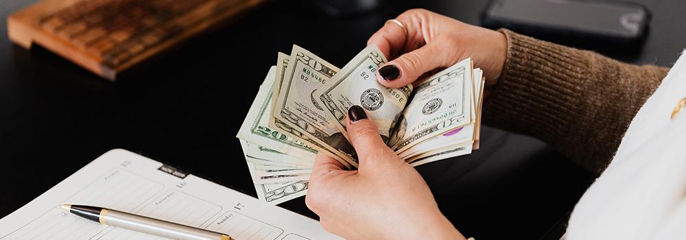 5 Bad Financial Habits Image